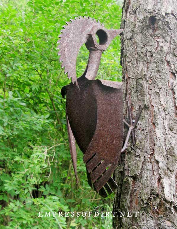 Woodpecker garden art.