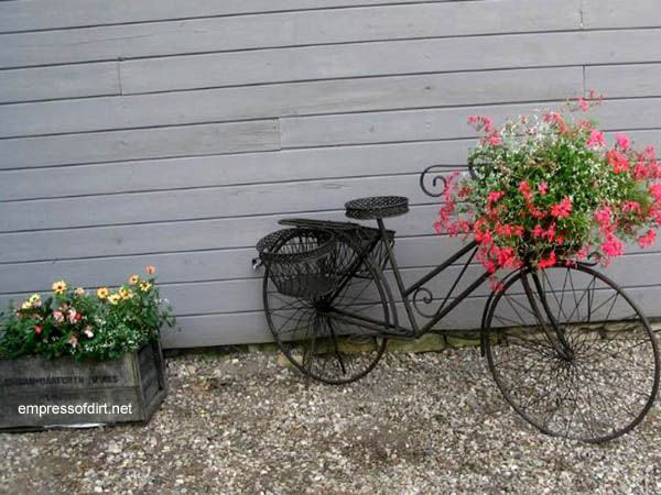 Black Metal Bicycle with Basket Planter