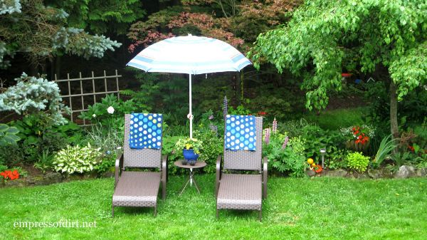 Lounge Chairs with Umbrella