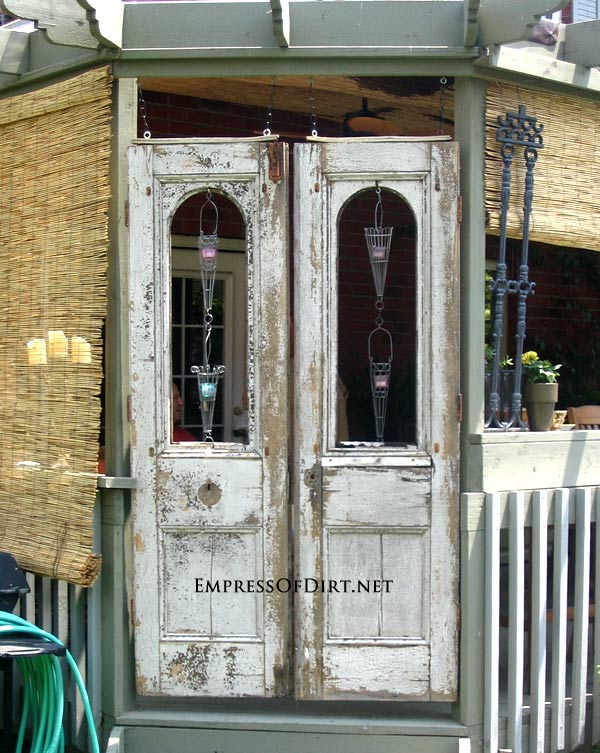12 ideas for doors and windows in the garden empress of for Old wood doors salvaged