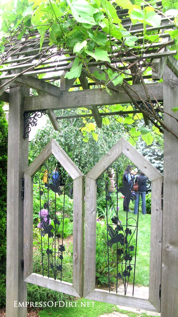 12+ Ideas for using doors and windows in the garden. Repurpose from ...