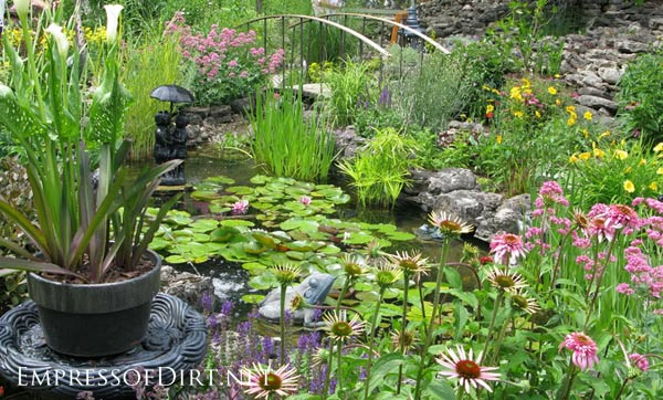 Beautiful backyard pond ideas for all budgets | Medium size inground garden pond