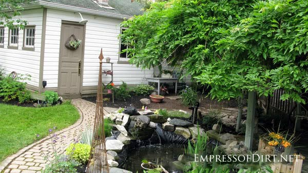 Beautiful backyard pond ideas for all budgets | Medium size inground pond
