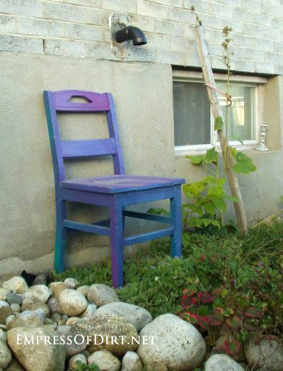 Blue painted schoolhouse chair: Gallery of garden art chair ideas