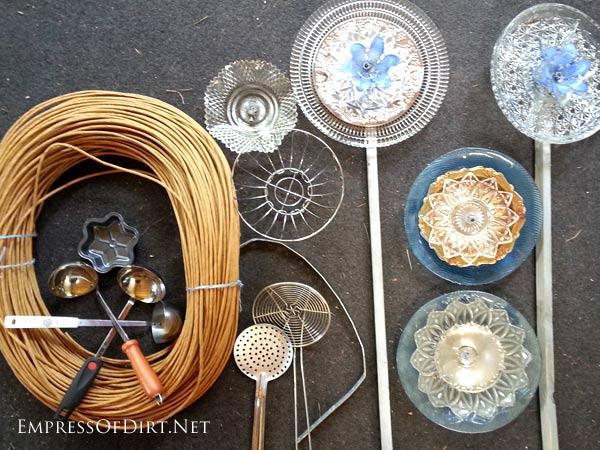 Diy Kitchen Dish And Cutlery Garden Art Flowers Empress