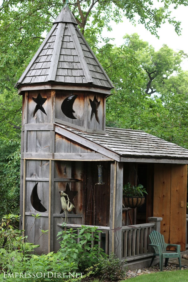 18 fabulous garden shed ideas empress of dirt for Mini potting shed