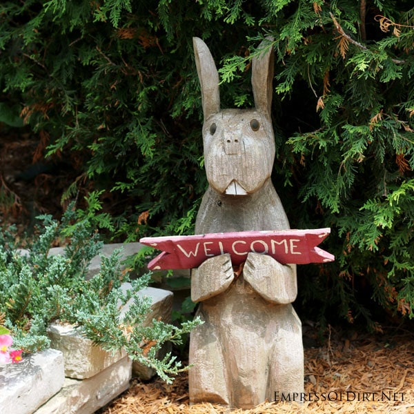 Cute garden art bunny welcome sign   15 Creative Folk Art Ideas in the garden at empressofdirt.net