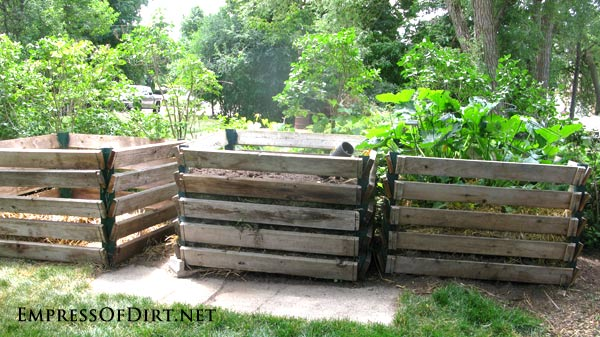 Money-saving tips for gardeners: pallet compost bins
