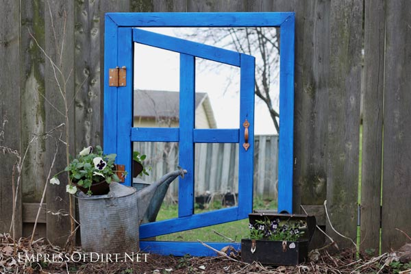 Make an optical illusion garden mirror