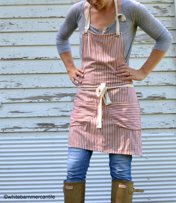 Garden apron on Etsy by whitebarnmercantile