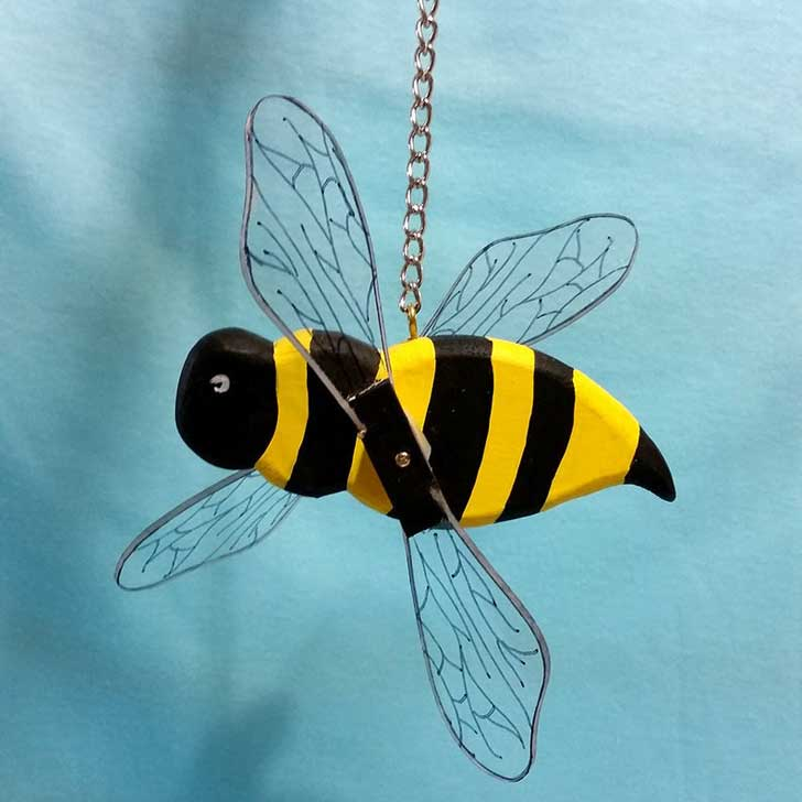 Bee whirlygif by puppetpets on Etsy