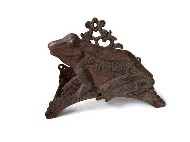 Frog hose holder - shineholy etsy shop