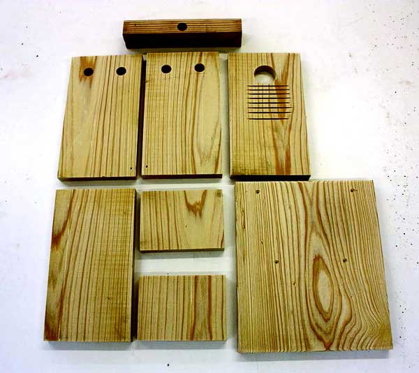 This bluebird nesting box is designed to be attractive to bluebirds, simple in design and construction, easy to monitor, and resistant to inclement weather and predators. Birdhouses are not one-size-fits-all so always choose a nesting box plan that is intended for the species you wish to attract.