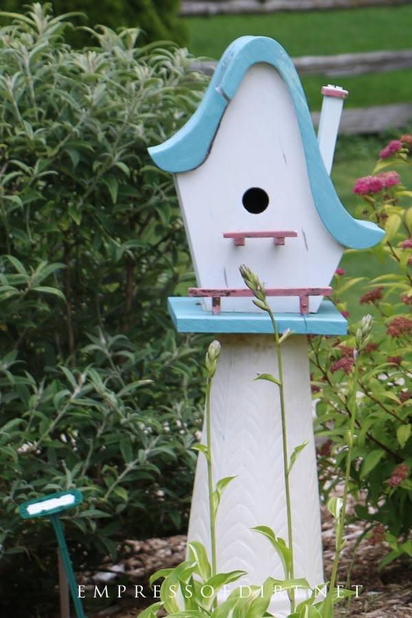 Birdshaped Garden Art Birdhouse With Chimney.