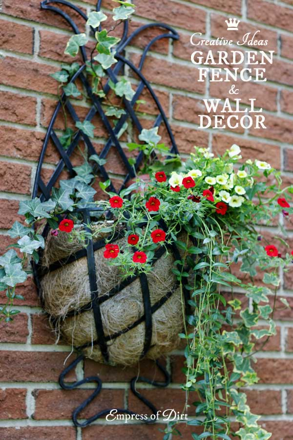 24 Creative Ideas for Garden Fence & Wall Decor