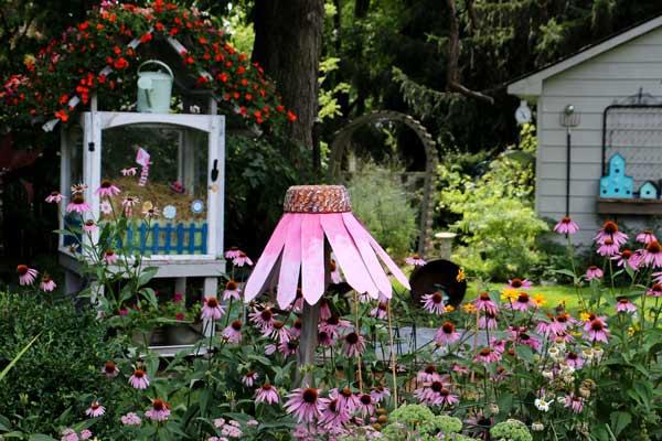 DIY Giant Garden Art Coneflowers