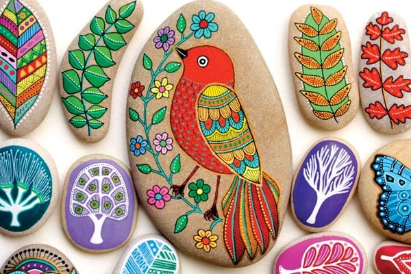 The Art of Stone Painting bird project by Sehnaz Bac