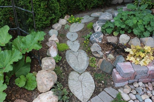 hypertufa garden stepping stones