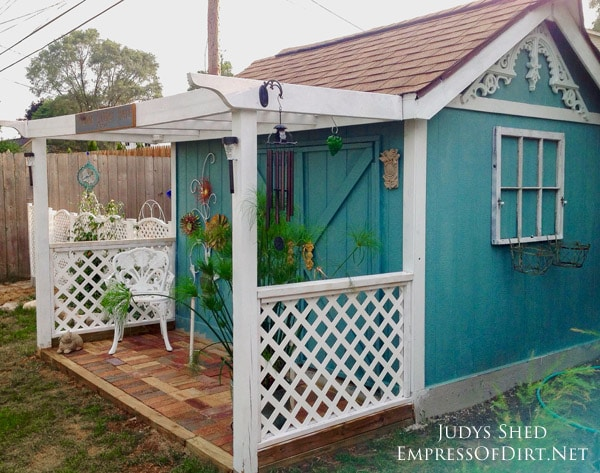 Charmant This Thrifty Backyard Shed Makeover By Judy Jones Shows How You Can Turn A  Bland,