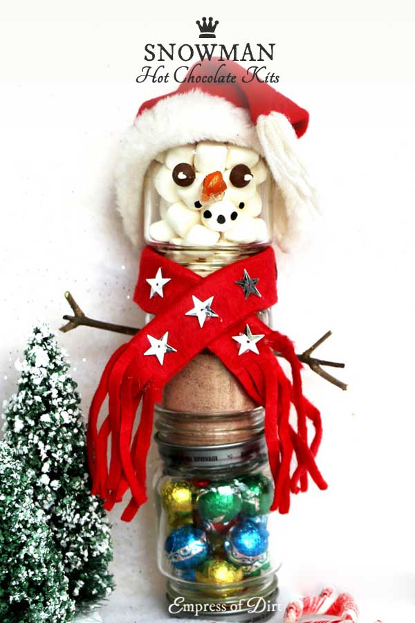 Make a snowman hot chocolate kit from repurposed baby food jars for under $5
