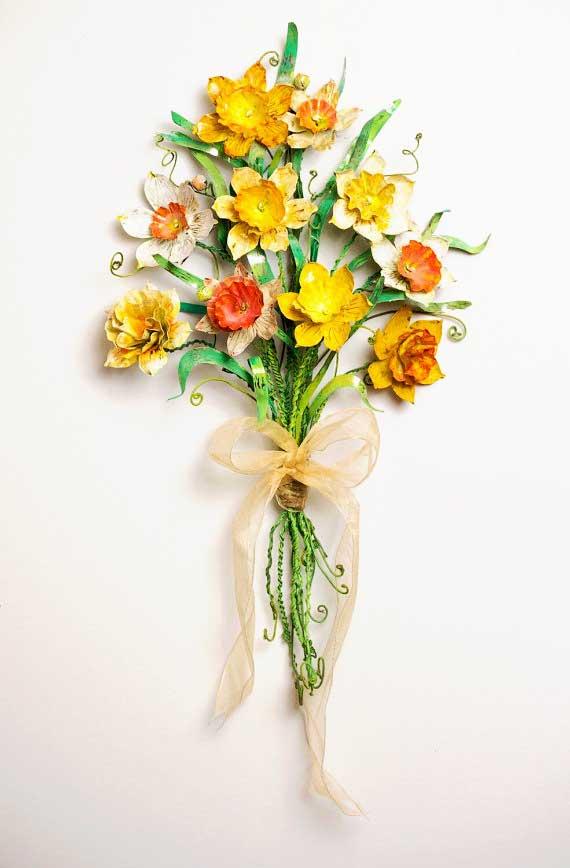 Tin daffodils by TinFishStudio on Etsy