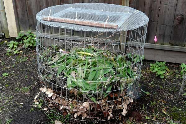 How to Make a Yard Waste Bin