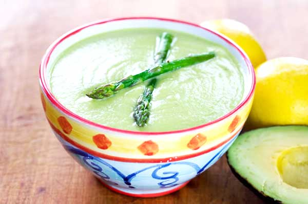 Roasted asparagus avocado soup | 12 Vegetarian Soup Recipes for delicious snacks and meals